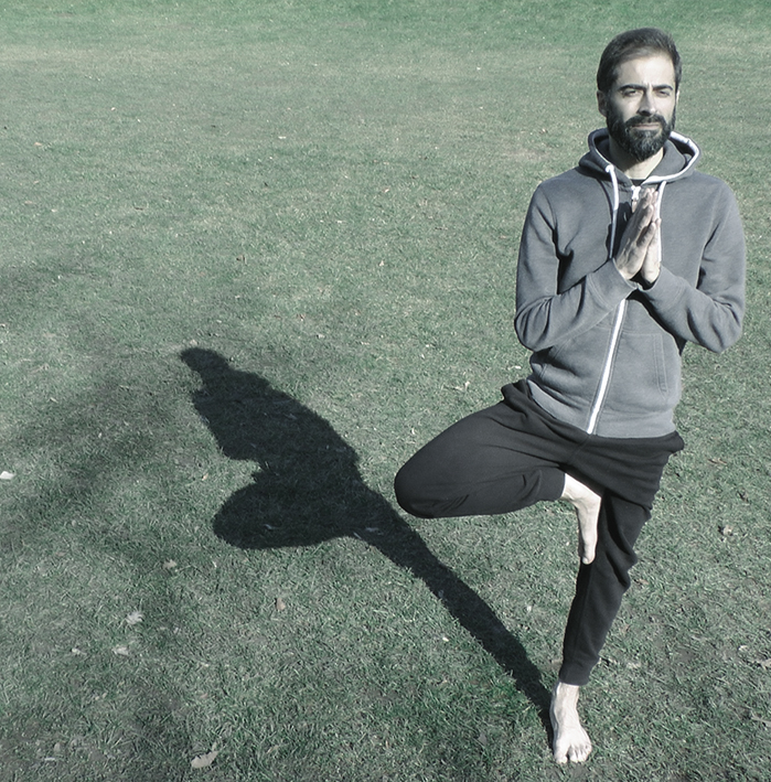 yoga_classes_barcelona_men_javier_salinas